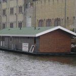 Woonboot-Leeuwarden-(kunststof)