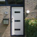 nieuwe voordeur en deurbel